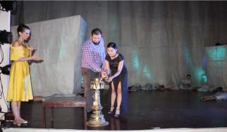 """नृत्य नाटक """"फ्लाइट"""" को प्रिमियर शो।"""